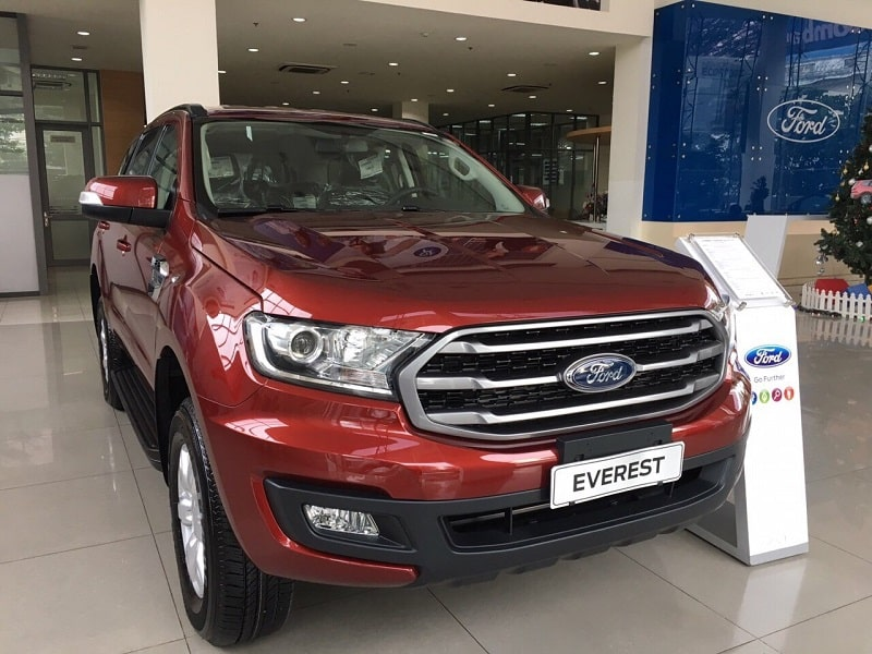 ford everest ambiente so san 2019 1 - Mua xe 7 chỗ chạy dịch vụ: Chọn Everest Ambiente MT hay Fortuner số sàn?