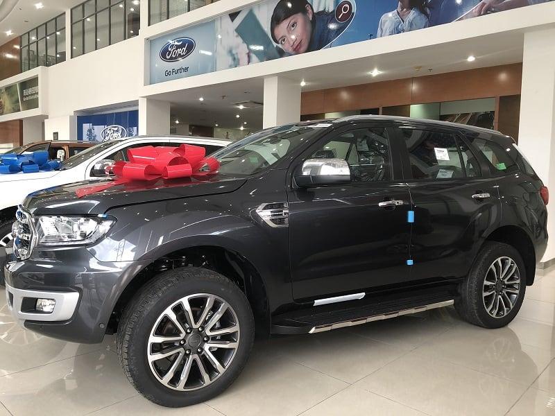 khuyen mai xe ford everest thang 6 1 - Bảng giá xe Ford mới cập nhật tháng 10/2019