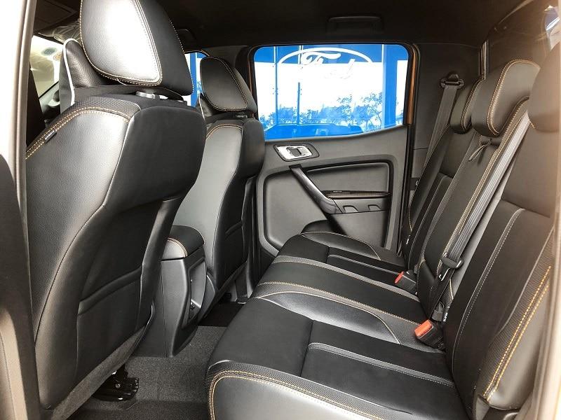 Hàng ghế sau Ford Ranger 2020 - Ford Ranger 2020 | Thêm trang bị tiện nghi giá không đổi