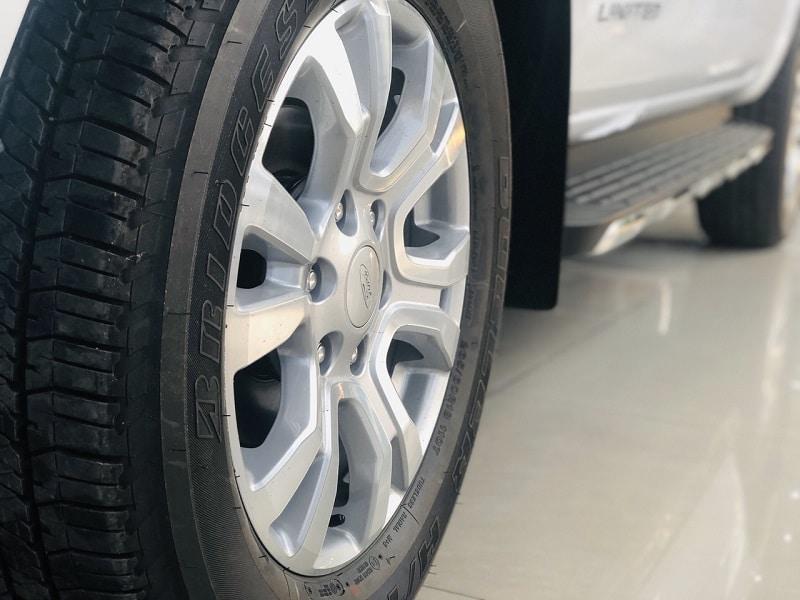 Mâm xe Ford Ranger Limited - Ford Ranger Limited 2020 | Hai cầu số tự động có gì mới?