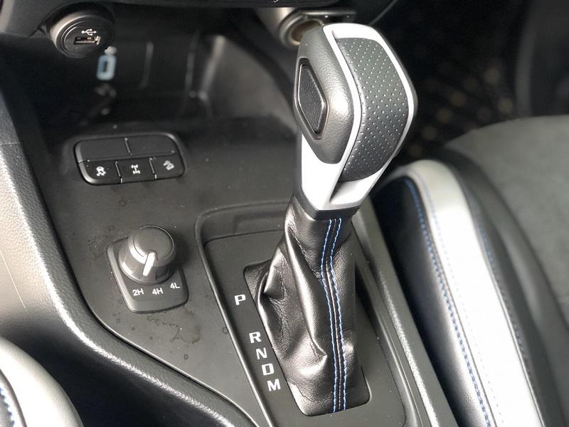 An toàn Ford Raptor 2020 - Đánh giá Ford Ranger Raptor 2020 - Nâng cấp nhiều trang bị