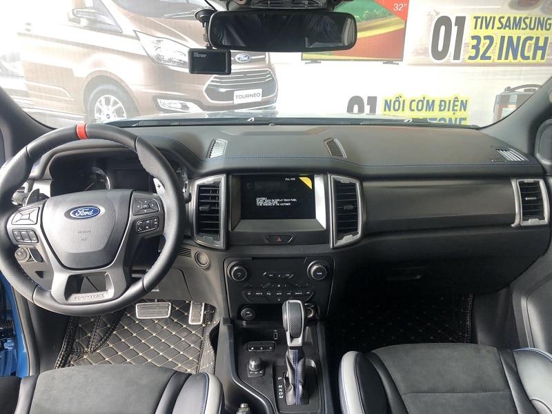 Nội thất Ford Raptor 2020 1 - Đánh giá Ford Ranger Raptor 2021 - Vua Offroad tốc độ cao