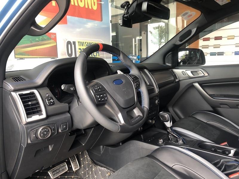 Trang bị tiện nghi Ford Raptor 2020 1 - Đánh giá Ford Ranger Raptor 2021 - Vua Offroad tốc độ cao