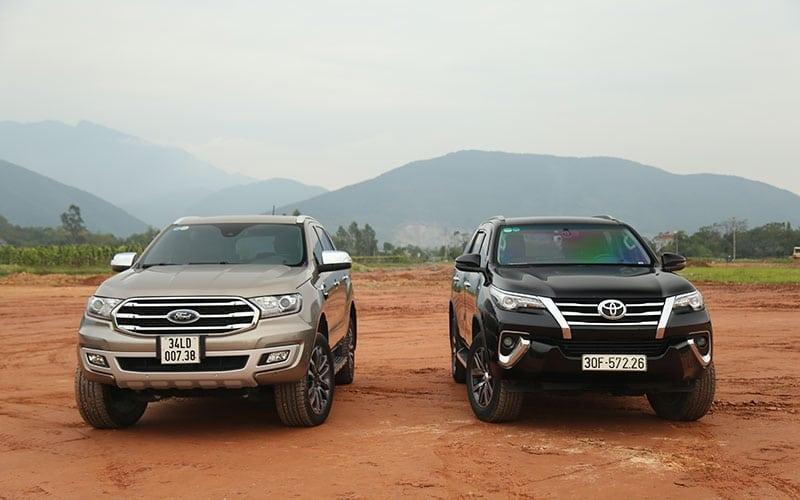 danh gia fortuner va everest - So sánh Toyota Fortuner và Ford Everest 2021 - Cuộc chiến không khoan nhượng